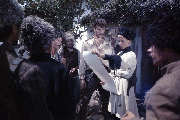 Кадр из фильма «Неуловимые мстители». Изображение № 7.