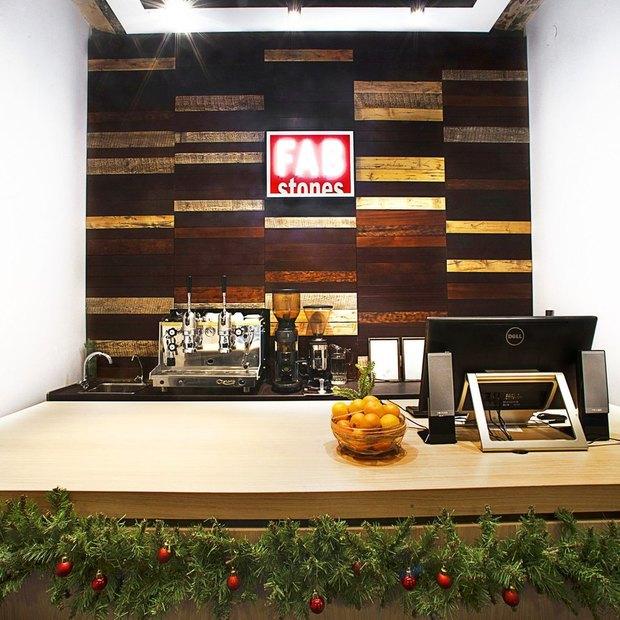 Команда Fab Store и Fab Street открыла новый магазин одежды. Изображение № 1.