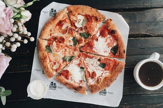 Новый Zotman Pizza Pie, две бургерных и мясной ресторан. Изображение № 1.