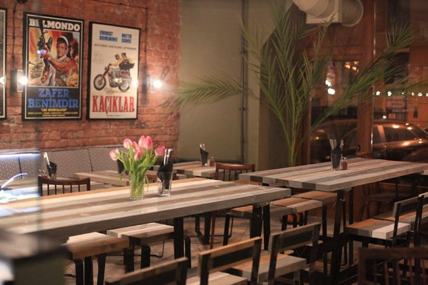 НаСтремянной открылось кафе Beirut свосточной кухней. Изображение № 3.