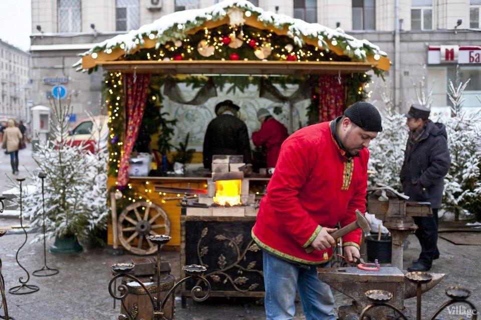 Фоторепортаж: Новогодние ярмарки в центре Москвы. Изображение № 5.