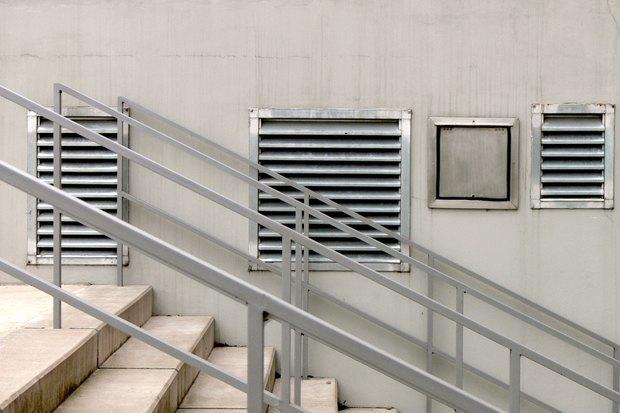 Как избавиться отнеприятного запаха навокзалах, вметро иаэропортах. Изображение № 2.