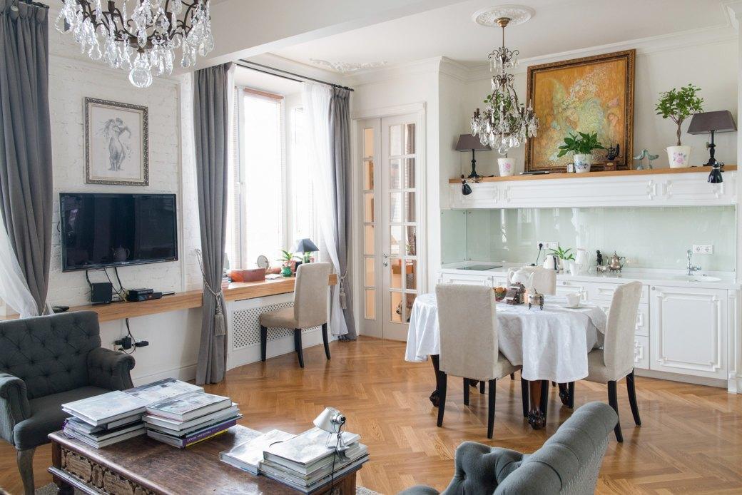 Квартира с антикварной мебелью ввысотке на Котельнической. Изображение № 2.