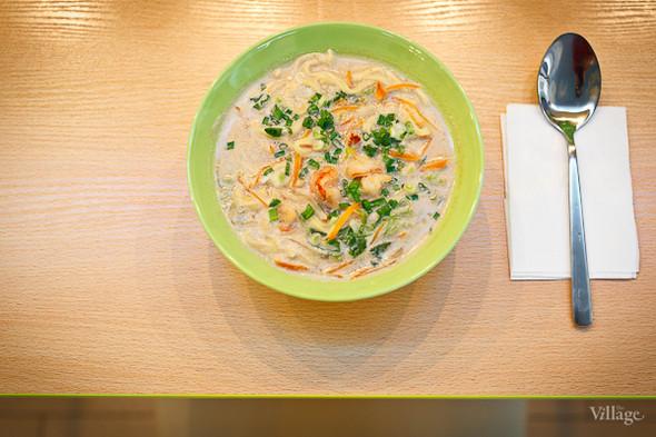 Суп с лапшой и куриным филе в кокосовом молоке — 108 рублей. Изображение № 20.