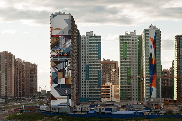 Художники расписали стену 24-этажного дома вПриморском районе. Изображение № 5.
