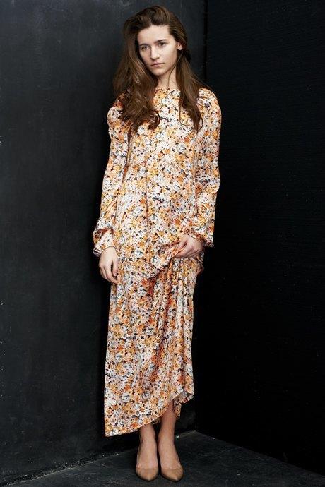 Вещи недели: 12 платьев сцветочным принтом. Изображение № 10.